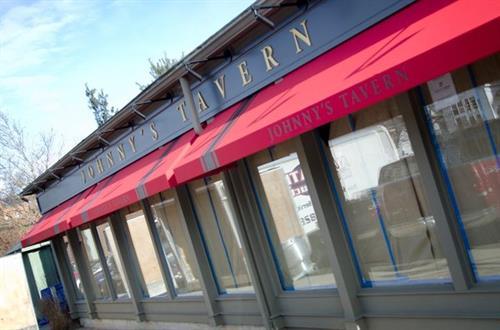 Johnnys Tavern