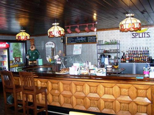 Gallery Image muskie_waters_BAR.jpg
