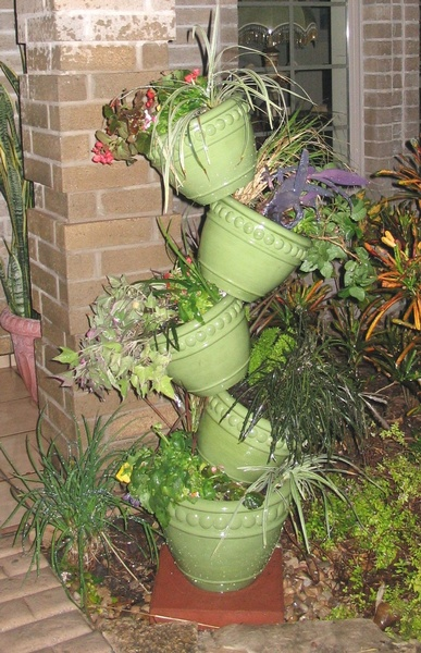 Large Incredible Plant Stand - To Order the Plant Stand: Click on ''Highlights'' then ''Plant Stands''