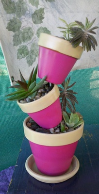 Fuschia Pots on a Patio Stand - Click on ''Highlights'' then ''Plant Stands''