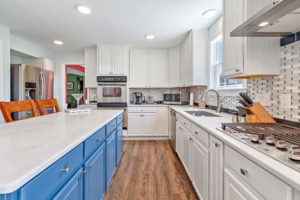 Gallery Image sabold%20blue%20kitchen.jpg