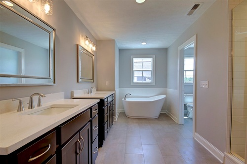 Gallery Image Bennett%20-%20Logan%20model%20-%20bathroom.jpg