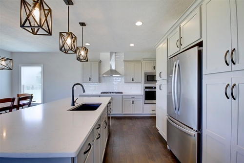 Gallery Image Bennett%20-%20Logan%20model%20-%20kitchen%202.jpg