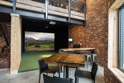 Gallery Image 4th_West_Billiard_Room_2.jpg