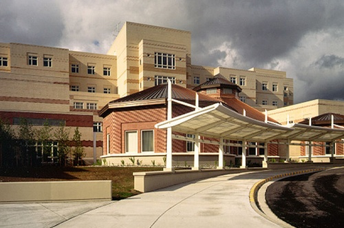 Gallery Image at6416_med_str_arw_tum_ter_alaska_native_medical_center_2.jpg