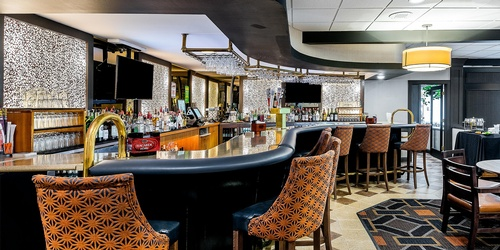 Full Restaurant/Bar