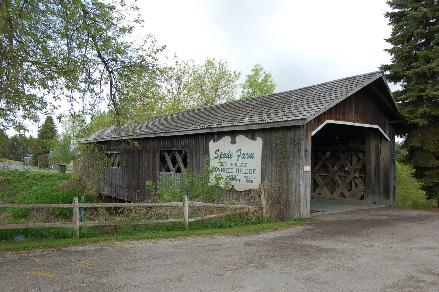 Spade Farm covered bridge, Ferrisburgh, Vermont