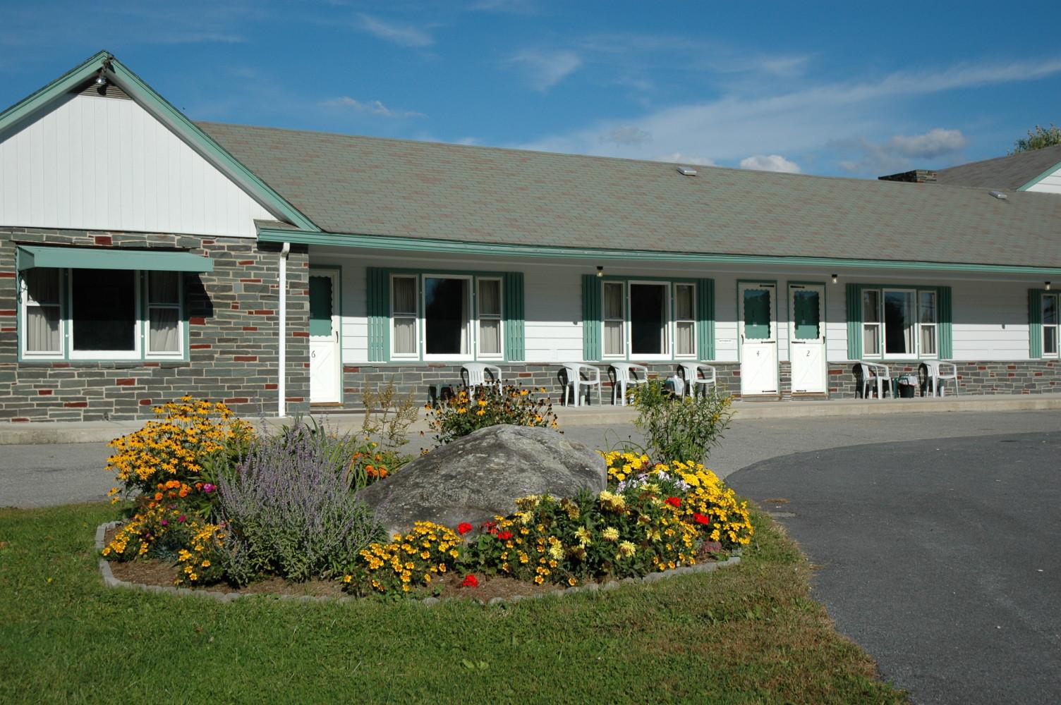 Greystone Motel, Middlebury