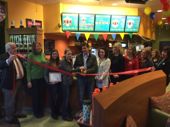 Biggby-ribbon-cutting-w648.jpg