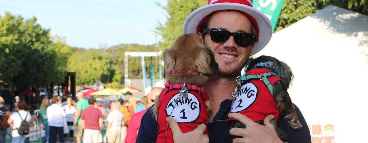 Oktoberfest-two-dogs.jpg