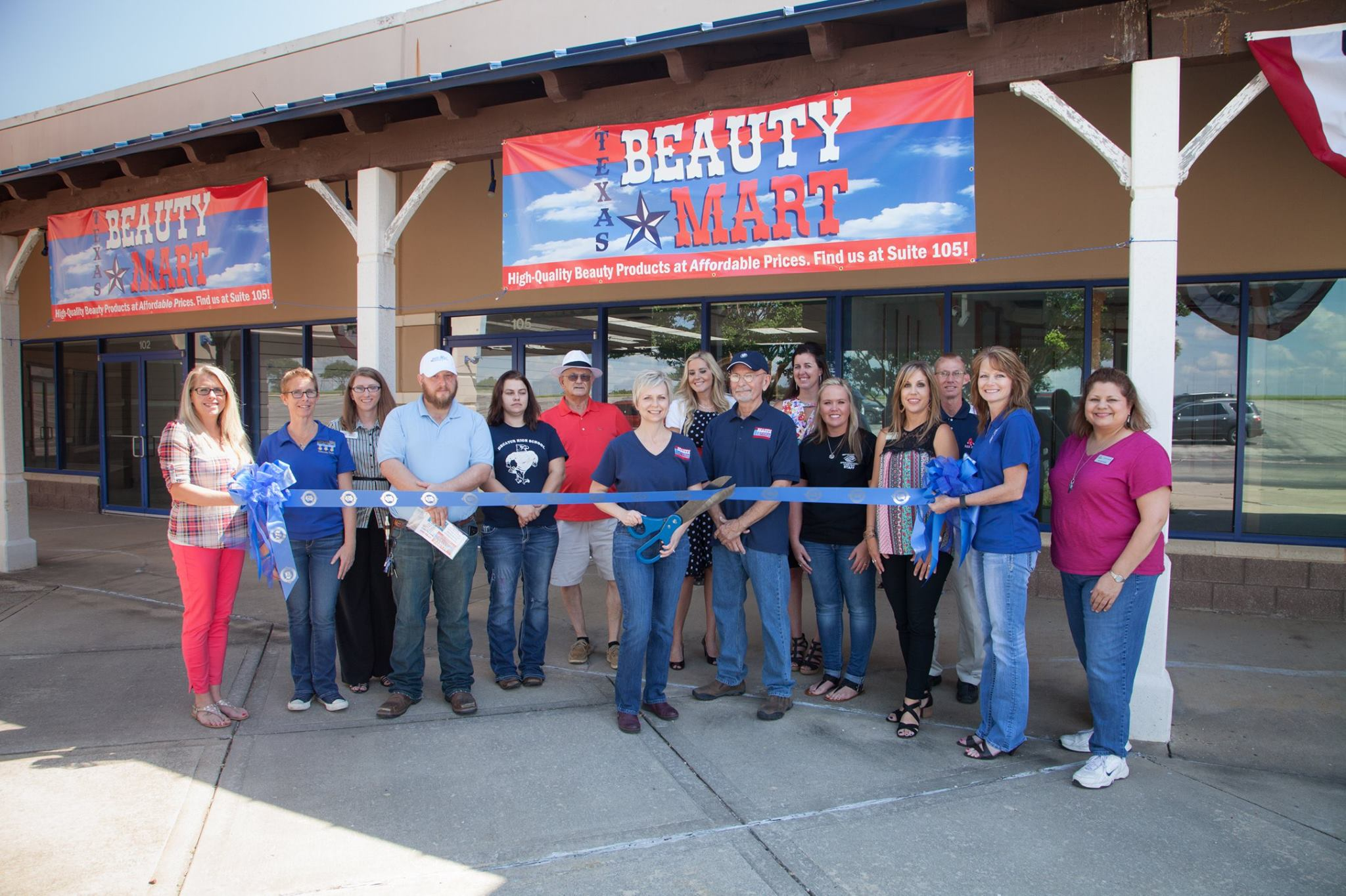 Texas-Beauty-Mart-Ribbon-Cutting.jpg