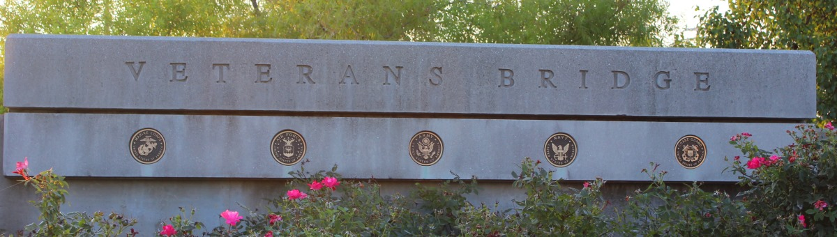 Veterans_Bridge_monument.jpg