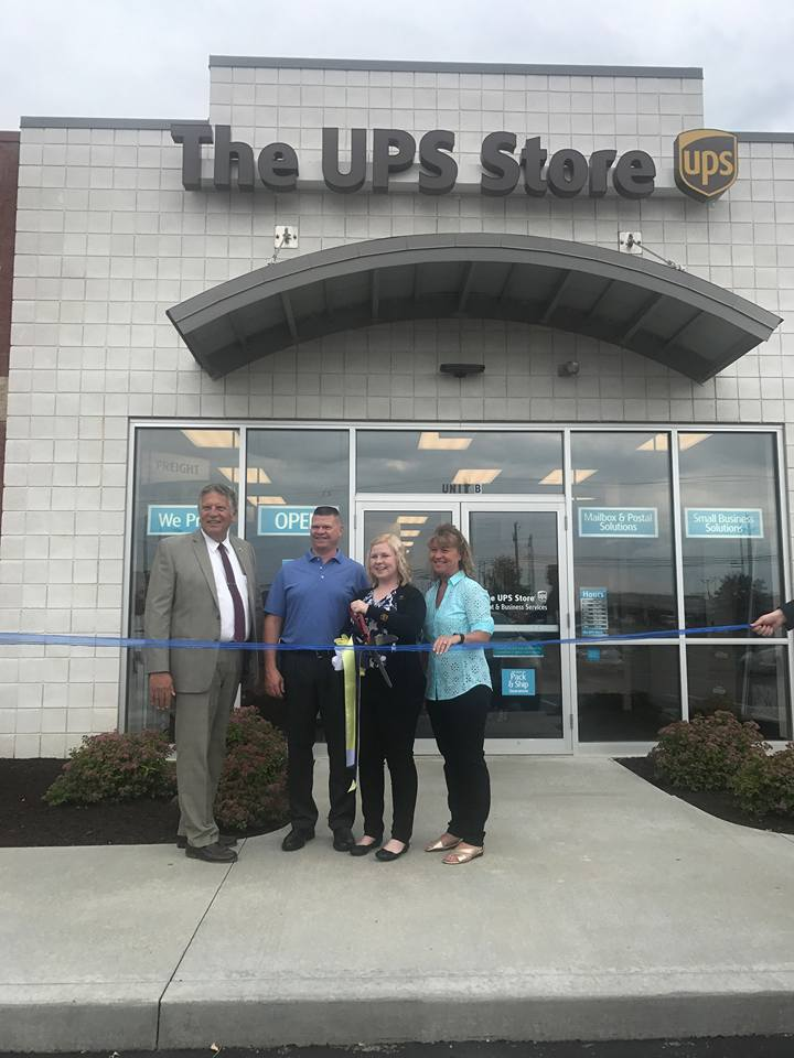 Ribbon Cutting UPS Store in Streetsboro