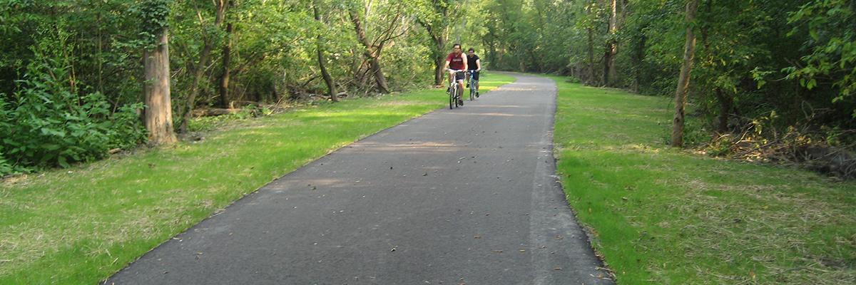 Bikers-on-Trail.jpg