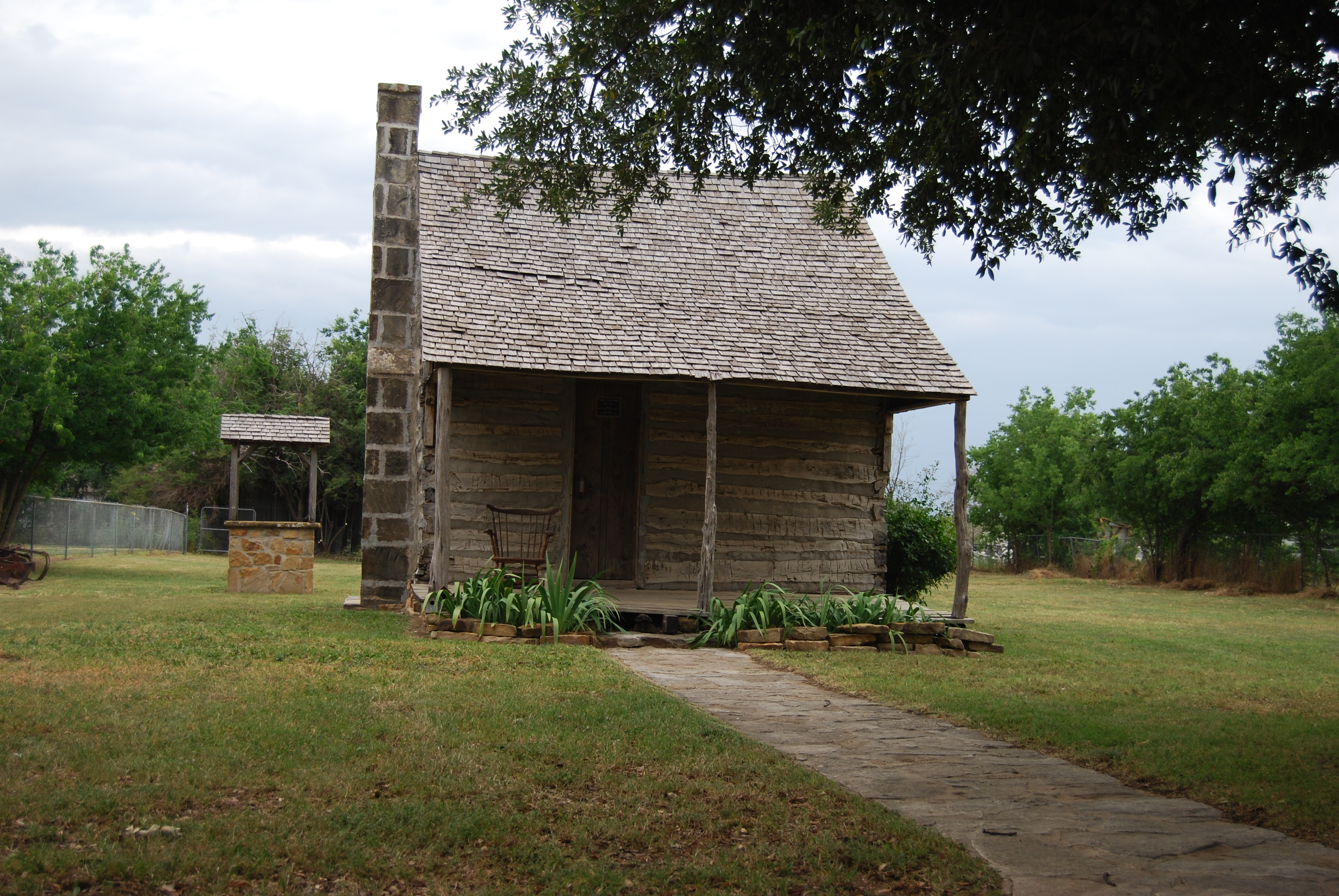 Jack-Co-Museum---Powell-Family-Log-Home.JPG
