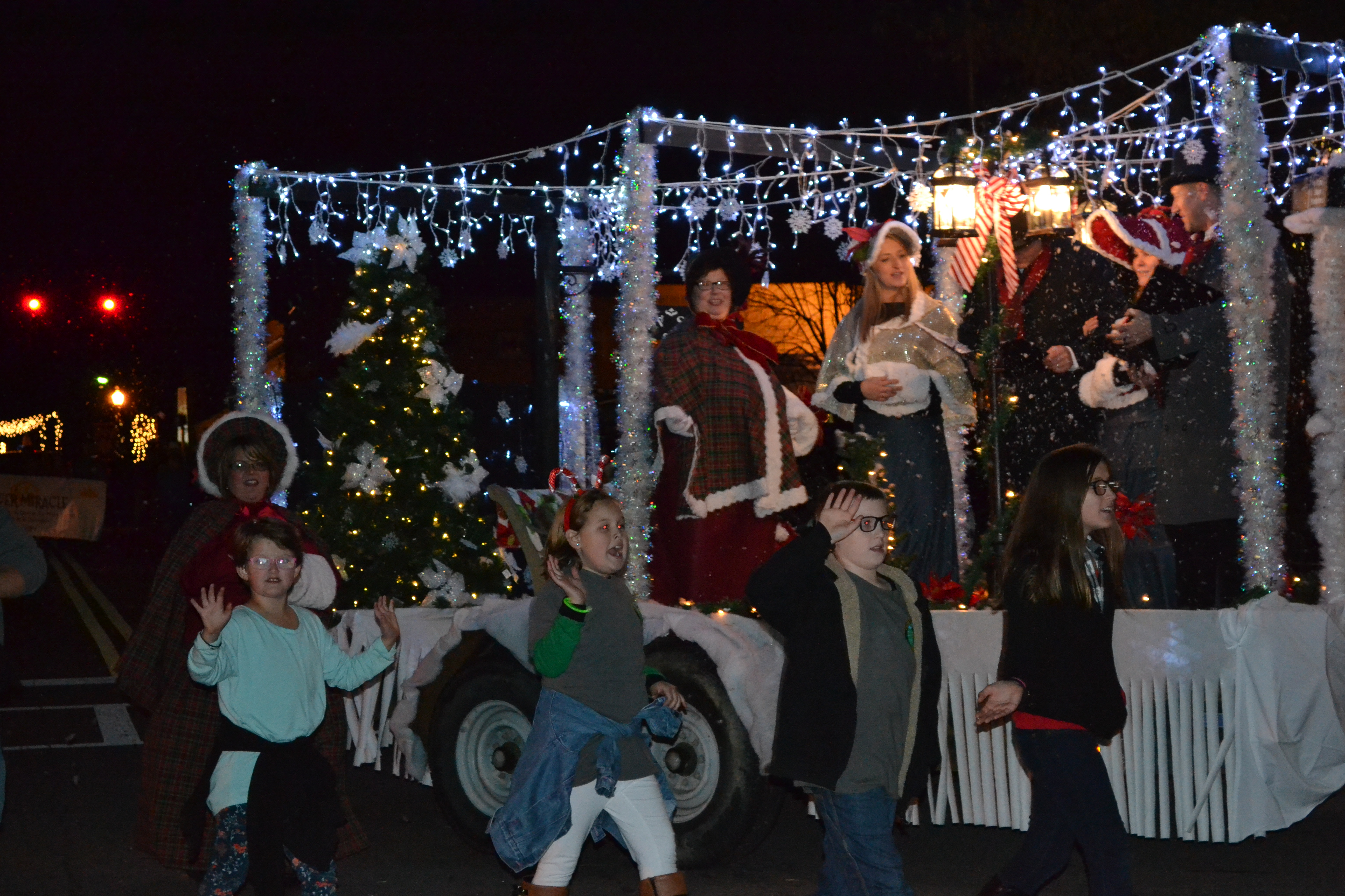 Hometown Holidays Parade , Forsyth,Monroe County Chamber of