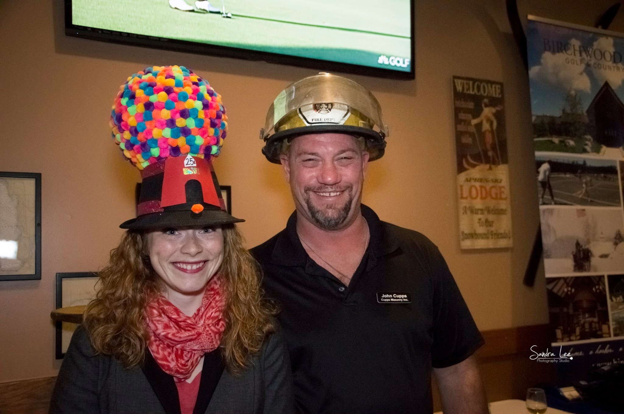 Crazy_Hat_Winner_Courtney_and_John_Cupps.jpg