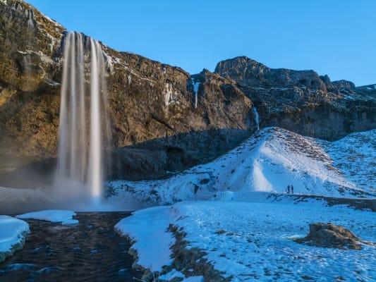 Seljalandsfoss-Waterfall-w533.jpg