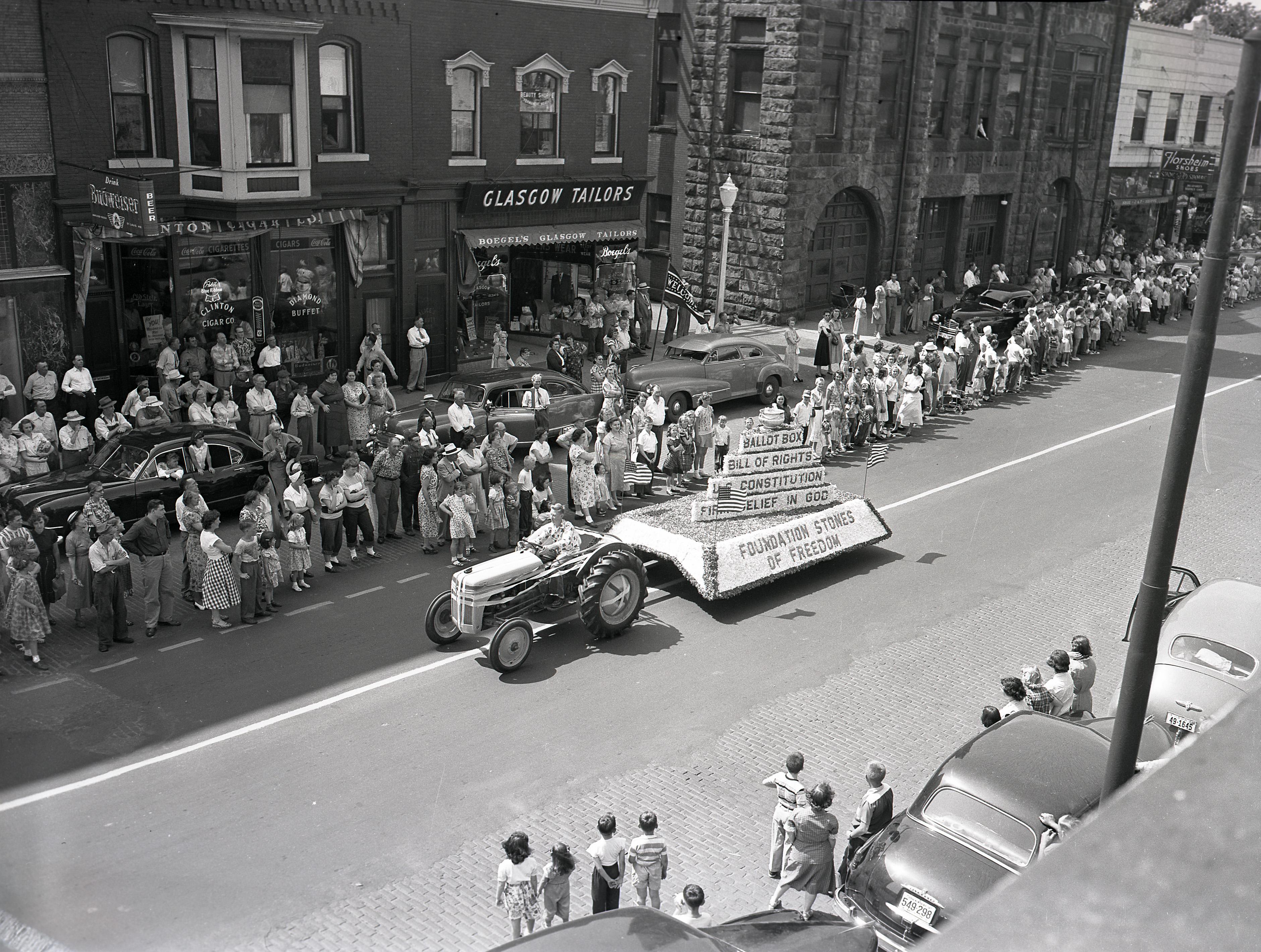 City_Hall_Circa_1952.jpg