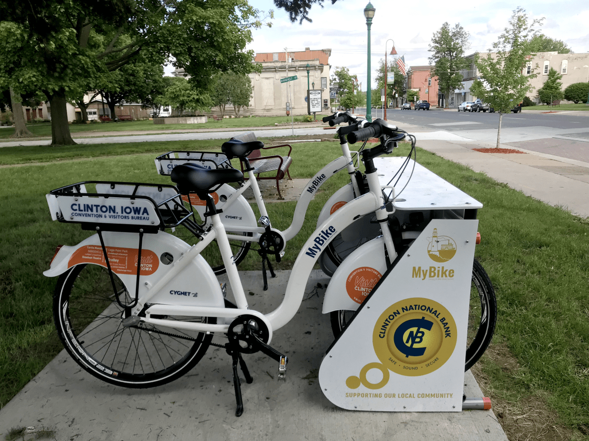 5.-Lyons-Shopping-District---MyBike--Station-Clinton_Iowa.png