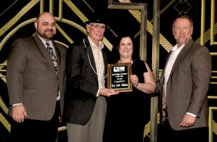 Ag-Producer-of-the-Year---Kow-Castle-Holsteins-w628-w314.jpg