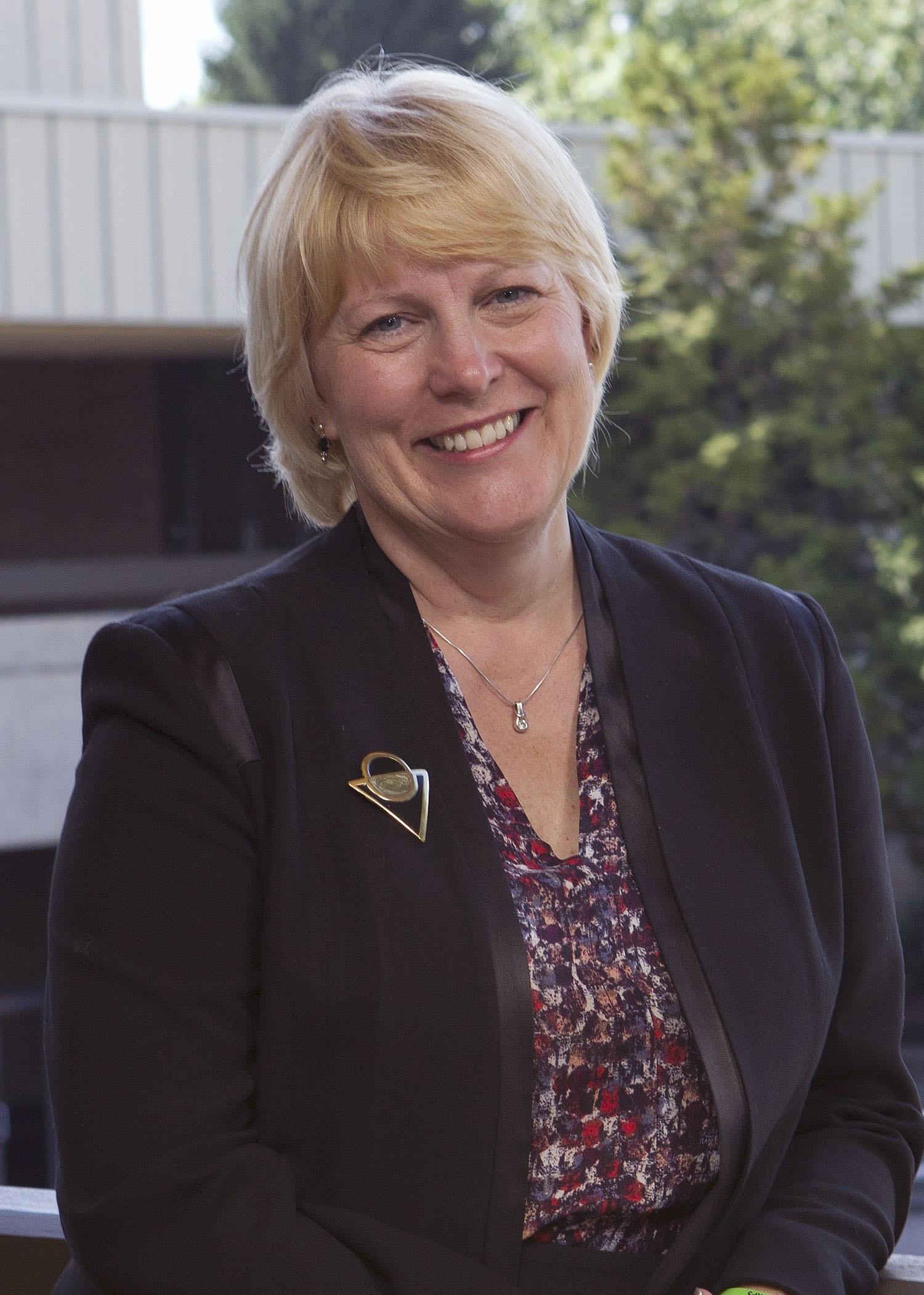 Dr. Debra Derr