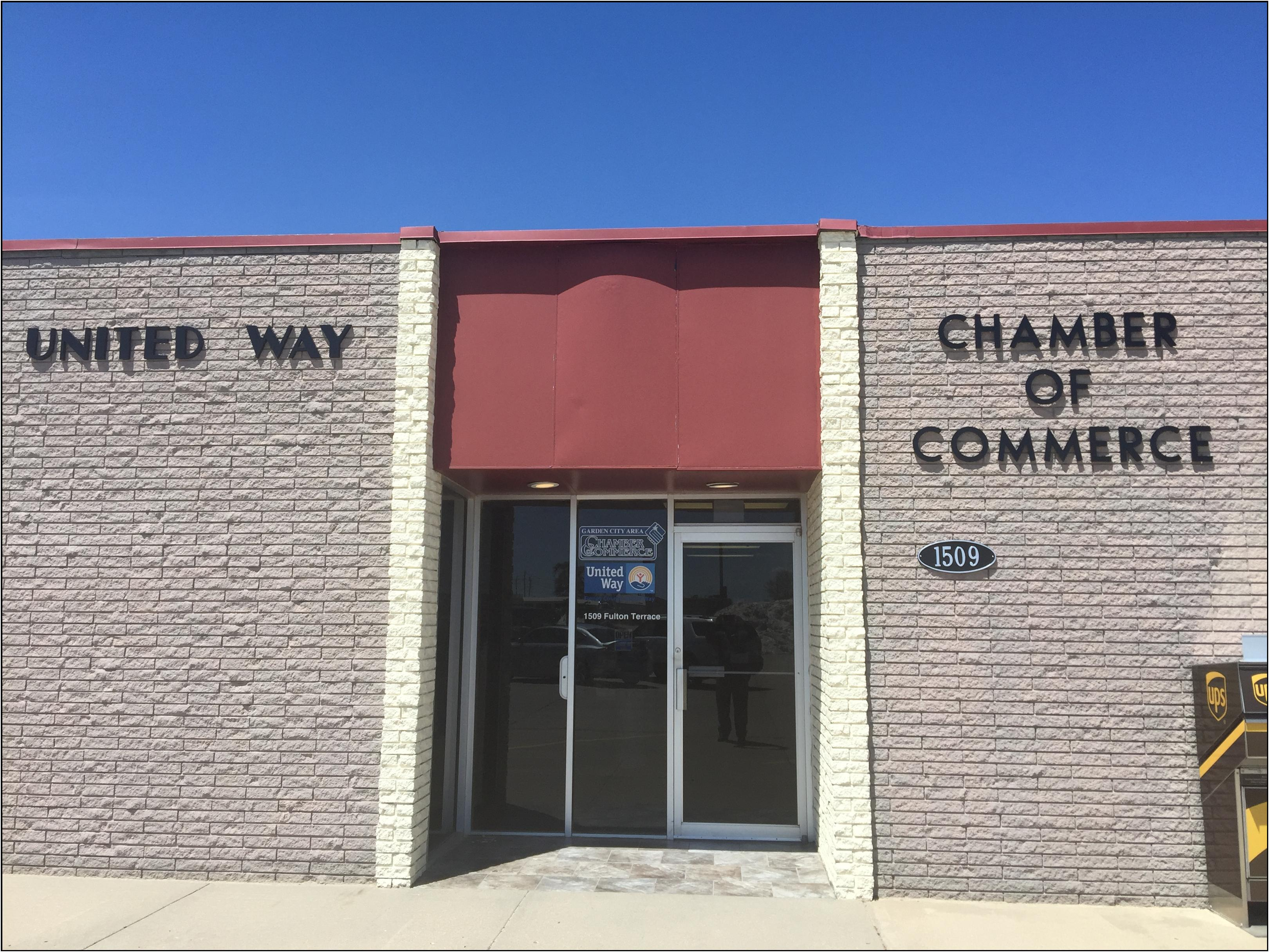 Ribbon Cutting Garden City Area Chamber Of Commerce May 18 2017 Garden City Area Chamber