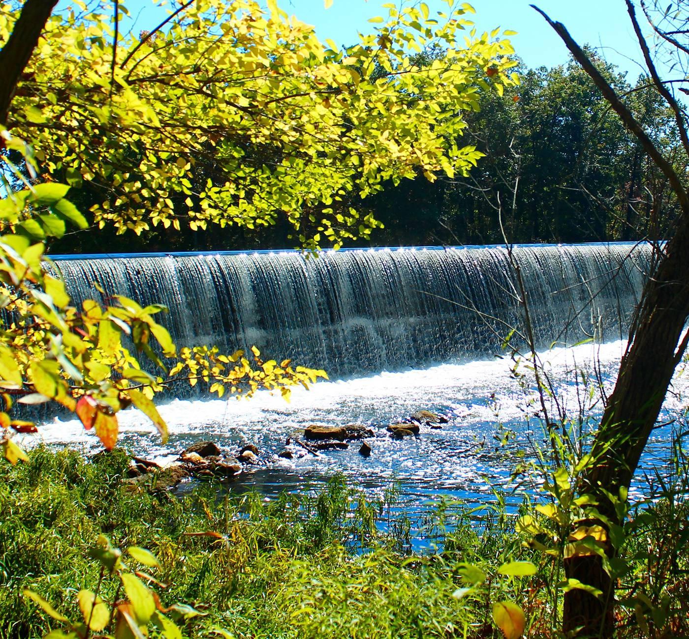 Ontario_dam.jpg