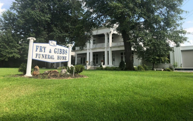 Fry and Gibbs Funeral Home exterior