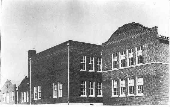 Booker-T.-Washington-School-Destroyed-1960-by-Tornado.jpg