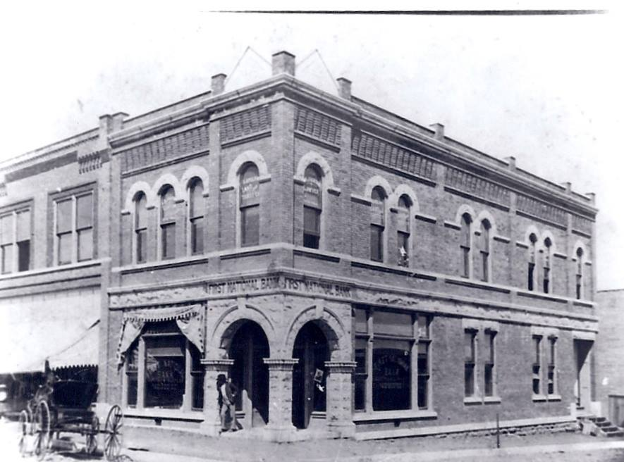 First-National-Bank-at-Main-and-Hobson-(demolished-in-the-'80's).jpg
