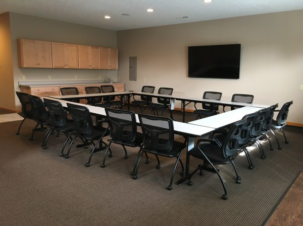 large-conference-room-1.JPG-w1008-w600.jpg