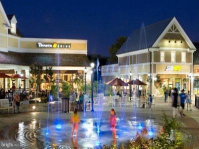 night-fountain-w400-w397.png