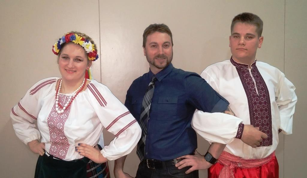 Ukrainian_Dance_and_Coach.jpg