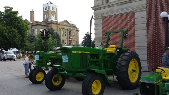 Bob_Reed_Tractor_Show.jpg