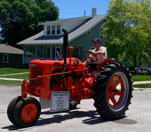 Old-Tractor-w530.jpg