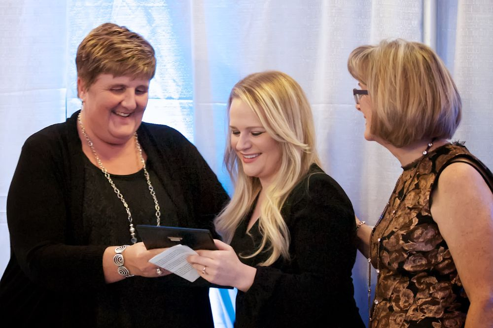 Susan_Miller_presenting_Chelsea_Wannamaker_with_New_Business_Award_resized.jpg