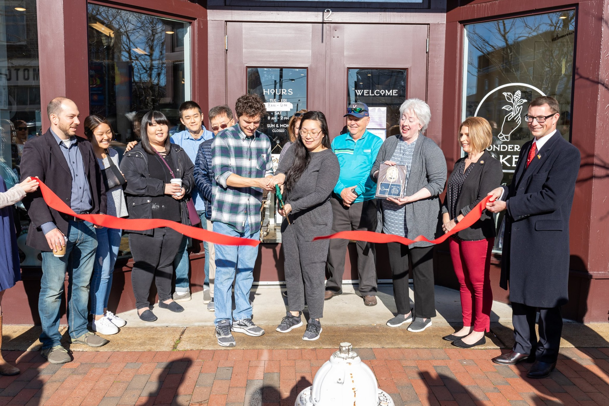 Wonder-City-Bakery-Ribbon-Cutting.jpg