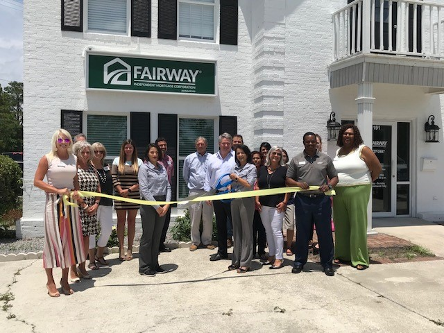 Fairway-Ribbon-Cutting.jpg