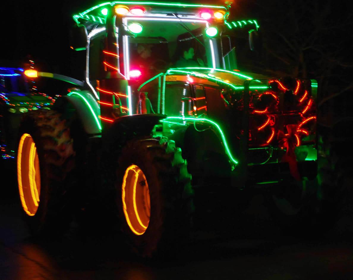 Green-Tractor-w1188.jpg