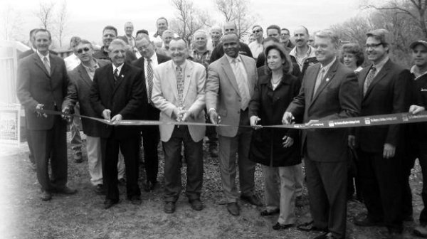 Ribbon cutting of historic lock 19 project