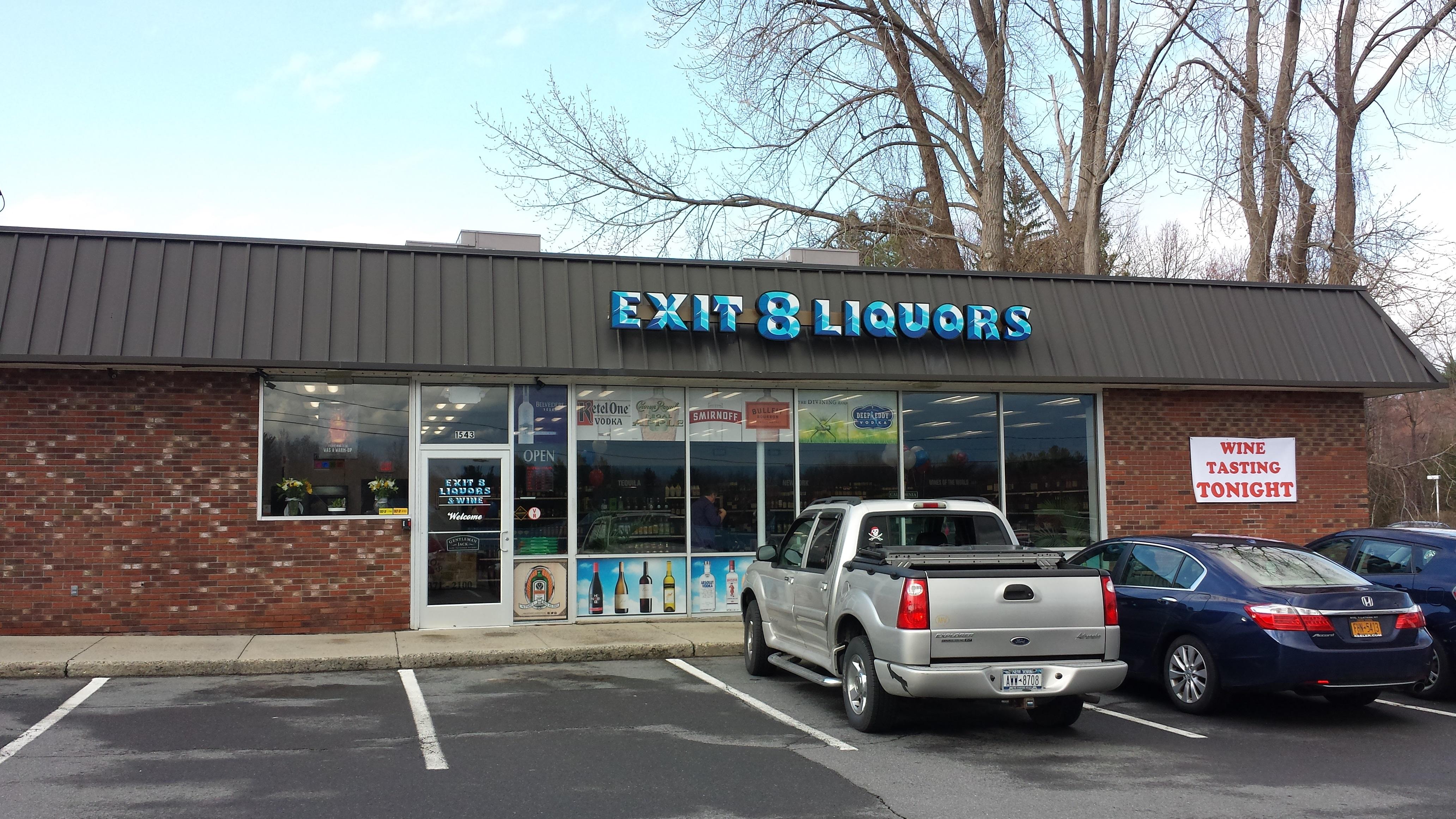 Ribbon cutting for Exit 8 Liquors