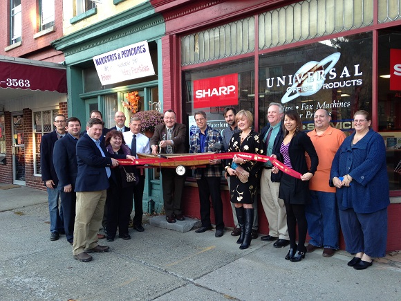 Ribbon Cutting Satellite Office for the Chamber of Southern Saratoga County 11/20/15.