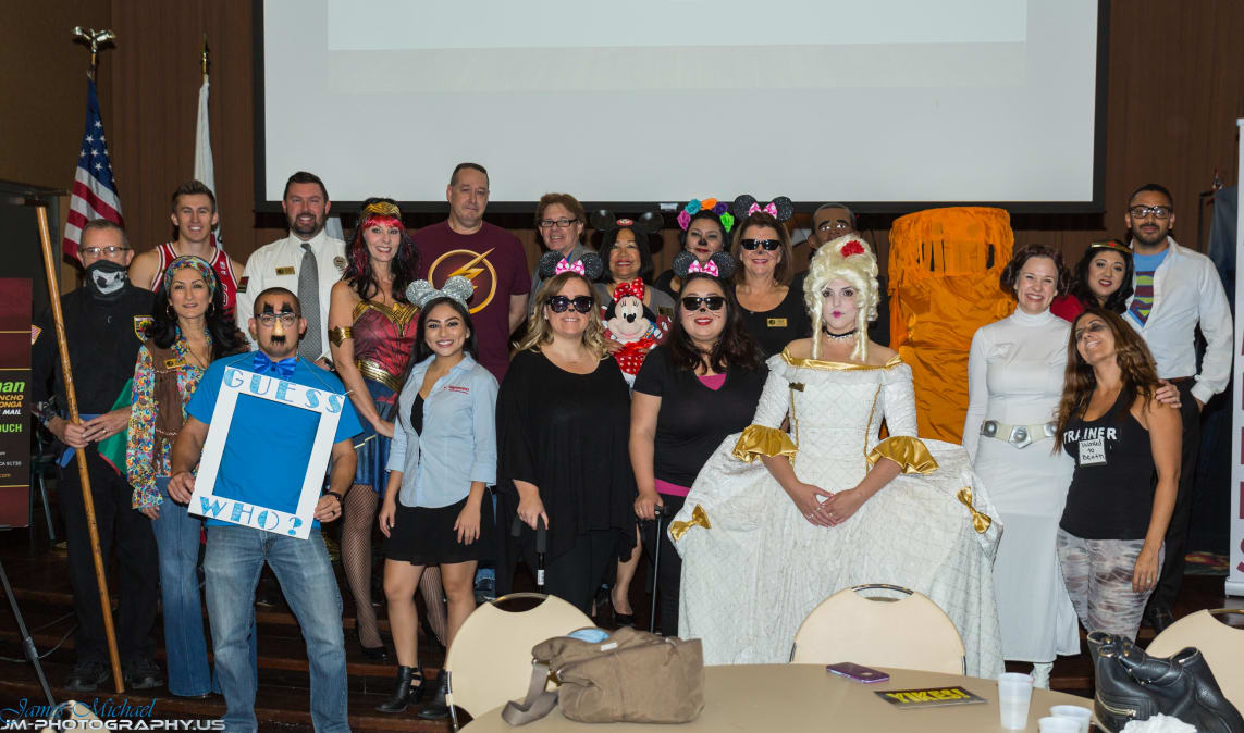 RC-BCN-Halloween-21-Group-w1143.jpg