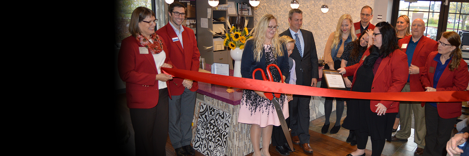 Ribboncutting.jpg