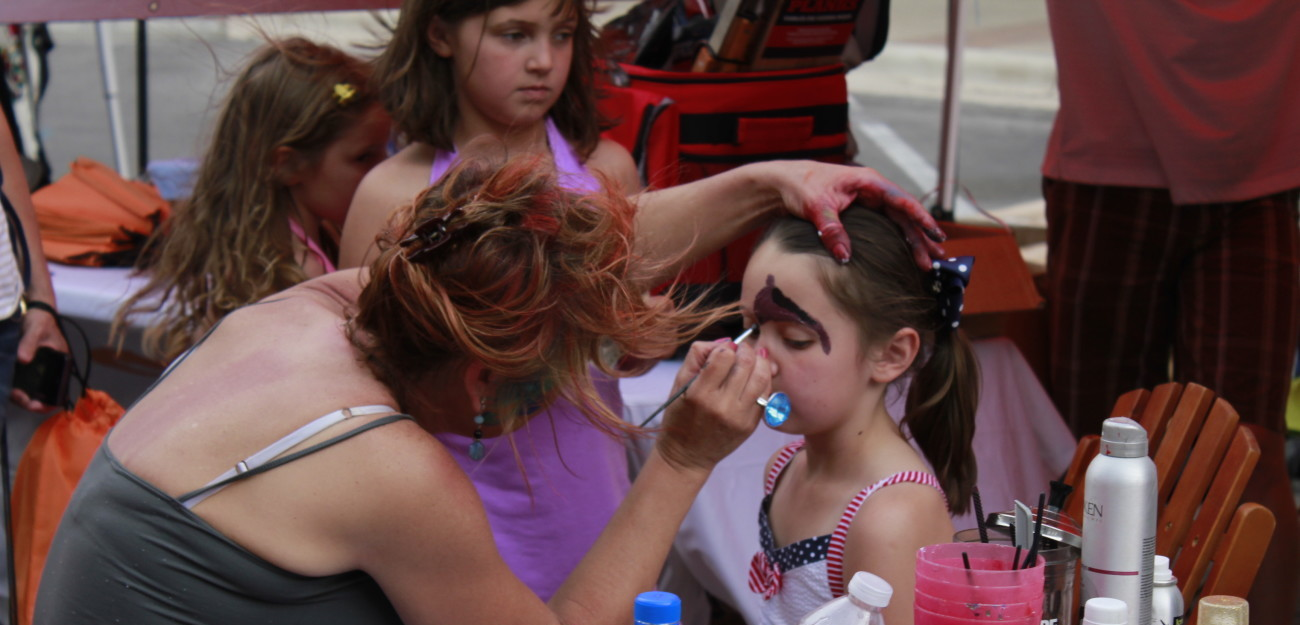 Face-Painting-w1300(1)-w1300.jpg