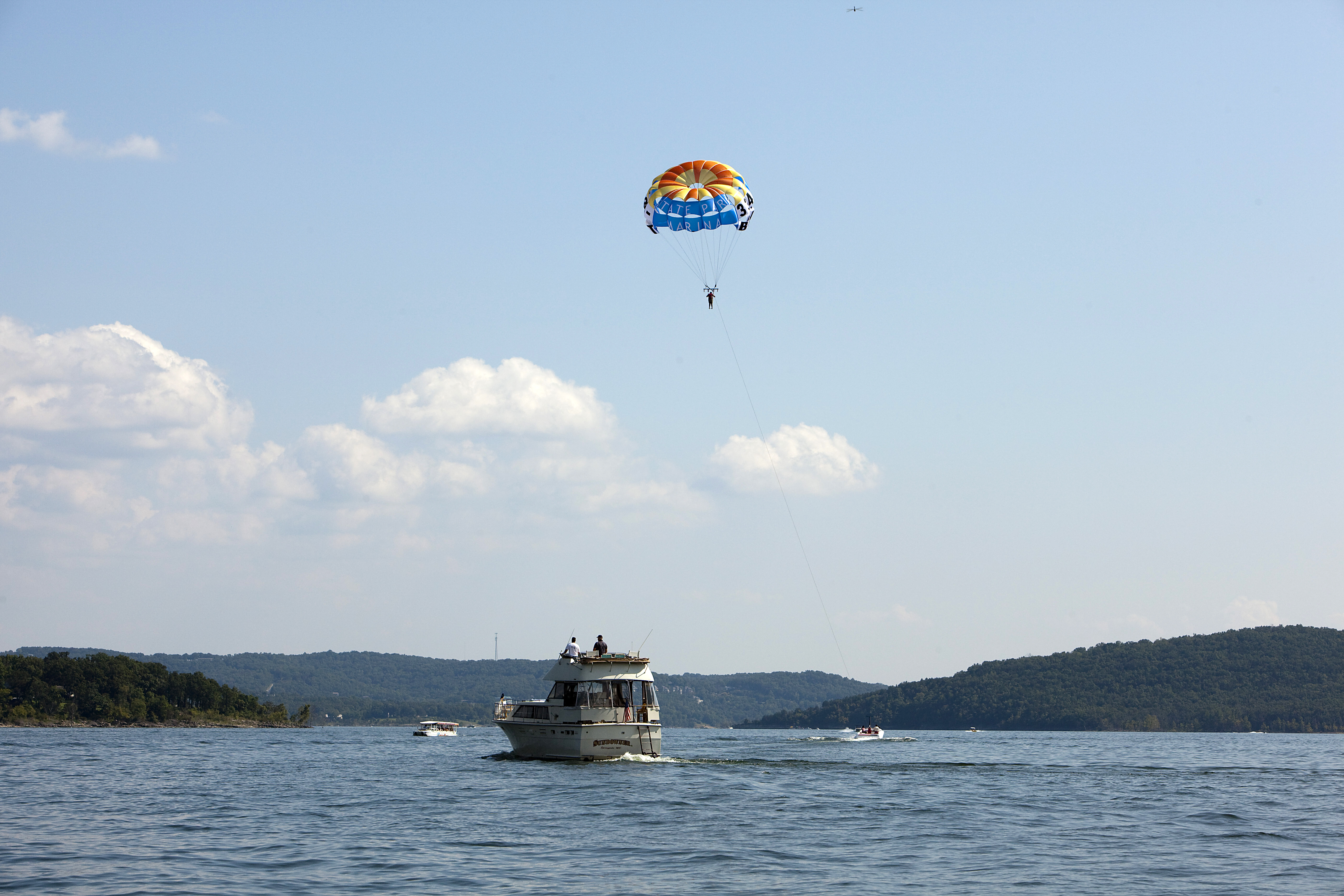 Nice Parasailing At Table Rock Lake Is A Fun Activity For Adventurers In The  Familyu2014even Those Of The Little Variety. American Parasail At State Park  Marina ...