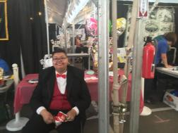 Rio_Chavez_booth-w252.JPG