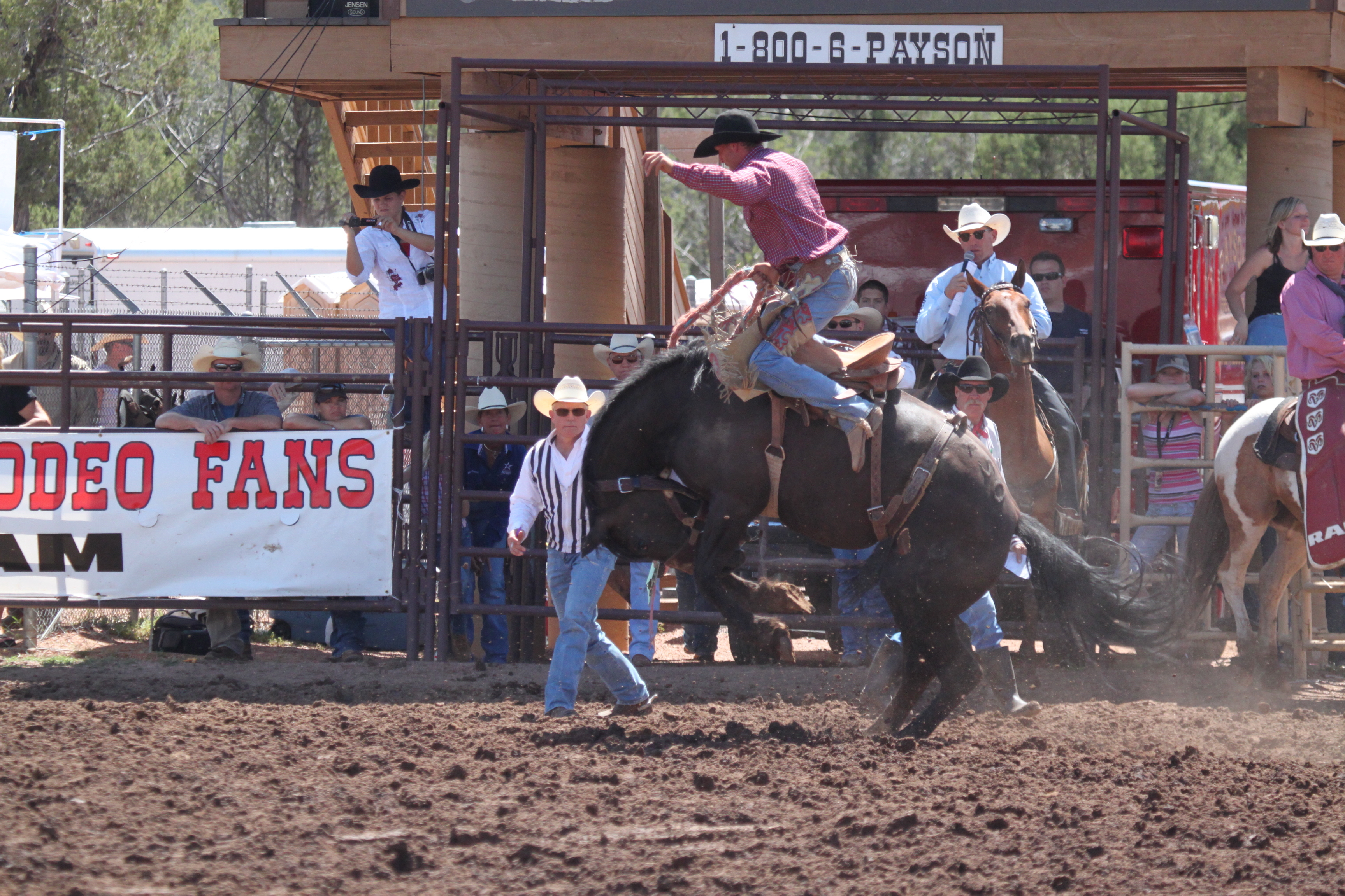 Payson_Rodeo_20020_(2).JPG