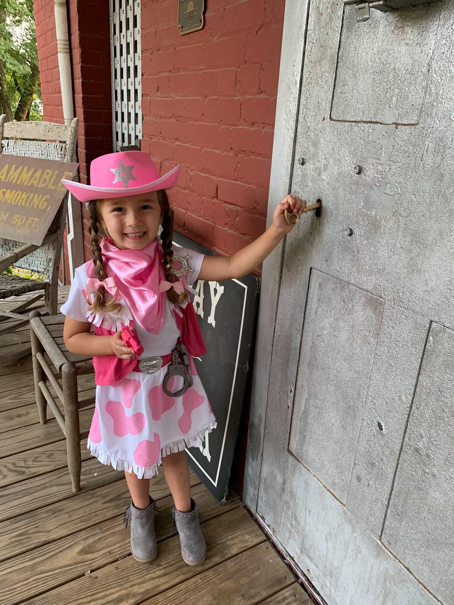 Kinsley-Walker--Best-Dressed-Sheriff.jpg